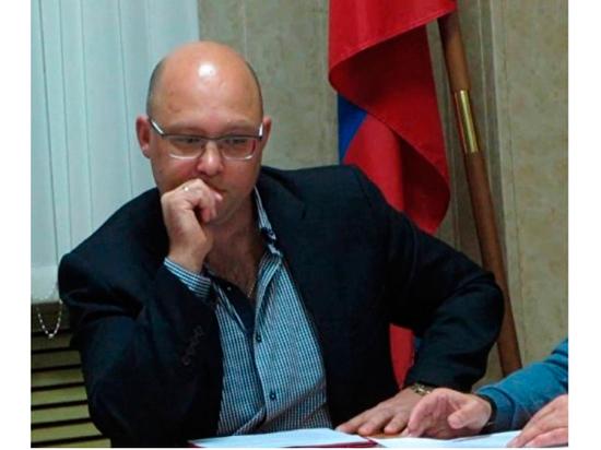 Подмосковного депутата заподозрили в съемке компромата ради наживы