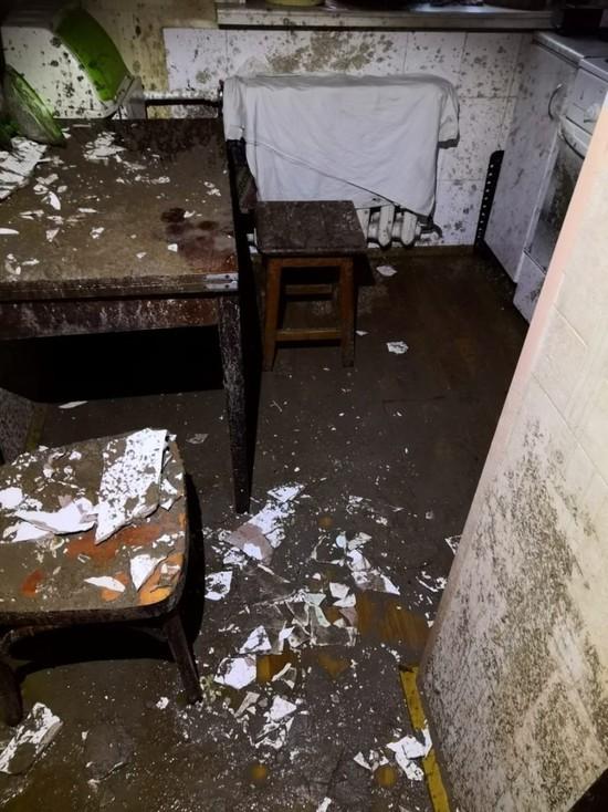 Квартиру барнаульских пенсионеров затопило кипятком