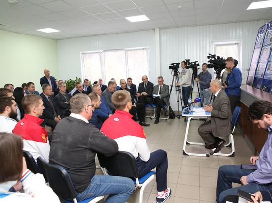 Игорь Артамонов встретился с представителями спорта Липецкой области
