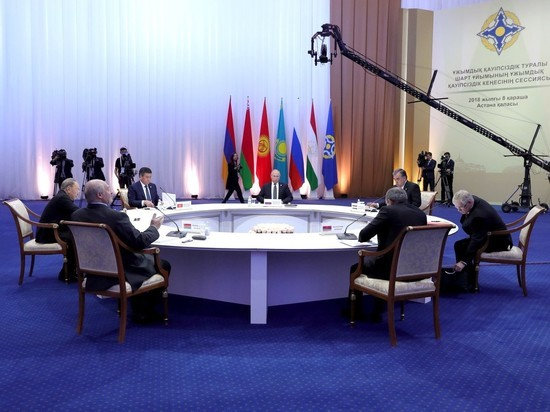 Лукашенко вовлек Путина в скандал на ОДКБ