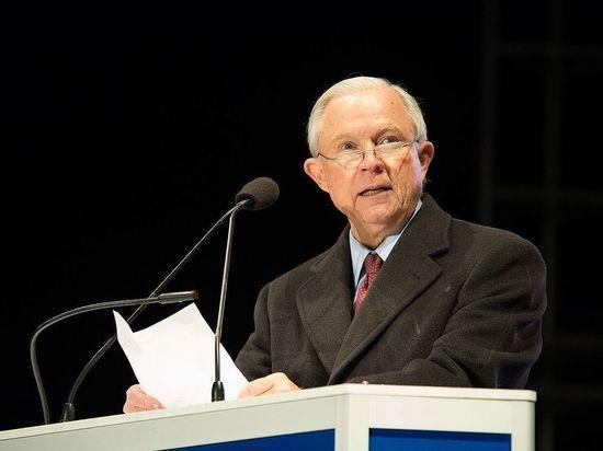 «Российское расследование»: за что Трамп уволил генерального прокурора США