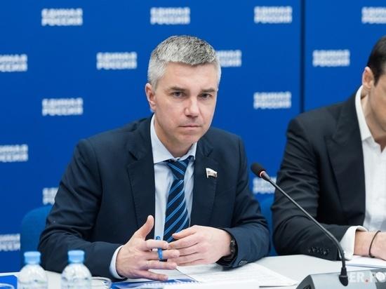 Журналист Евгений Ревенко прилетел в Бурятию