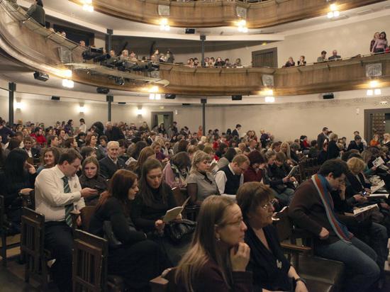 Правительство России учредило новую театральную премию