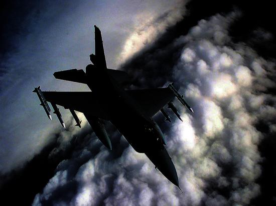 ВВС Израиля атакуют сектор Газа в ответ на палестинские обстрелы