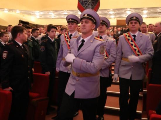 В Чебоксарах чествовали сотрудников полиции