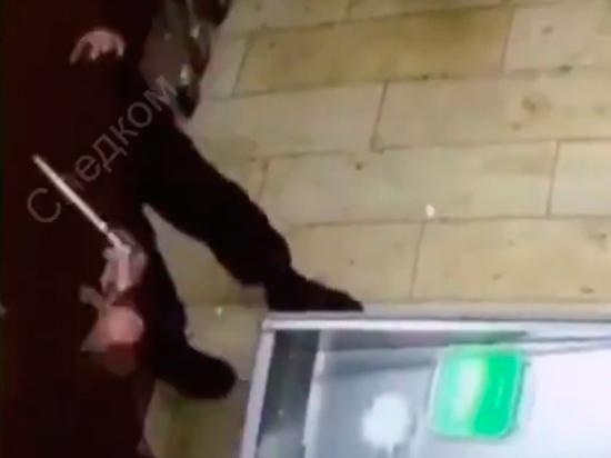 Пьяный житель Новосибирска с клинком в костыле напал на росгвардейца