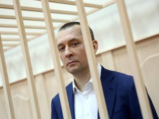 «Захарченко отдал мне ремень»: начальник полковника-миллиардера дал показания