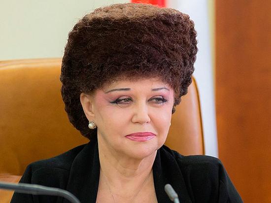 Сенатор с выдающейся прической Валентина Петренко покидает Совет Федерации