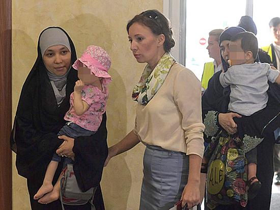 Матери вдов террористов согласны даже на пожизненные для дочерей
