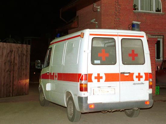 Волгоградский восьмиклассник принес вшколу топор, ножи ибензин. Онпринял яд