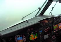 Мощный ливень не помешал пилотам приземлиться в аэропорту назначения