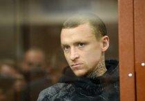 Павел Мамаев сделал в камере иконостас