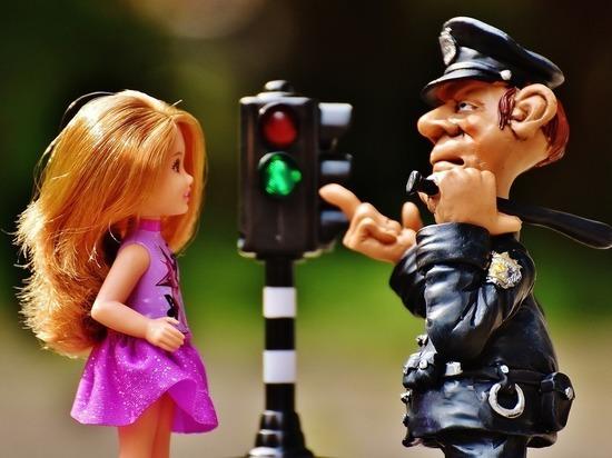 Ребенок в полосатой робе - не преступление: эксперт оценила действия полицейских