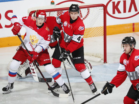 Сборная России по хоккею разгромила Канаду в молодежной Суперсерии