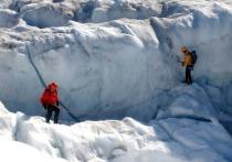 Один из крупнейших на планете метеоритных кратеров был замечен учёными под ледником Гайавата на севере Гренландии