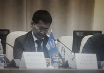 Накануне blogrb.ru, влияние на который приписывают мэру Улан-Удэ Александру Голкову, опубликовал заметку с партийной конференции БРО «Единой России», где «единоросы» выбирали нового секретаря и частично обновляли состав регионального политсовета партии