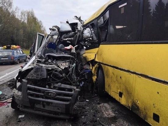 Выжившего в ДТП с автобусом под Тверью выписали из больницы
