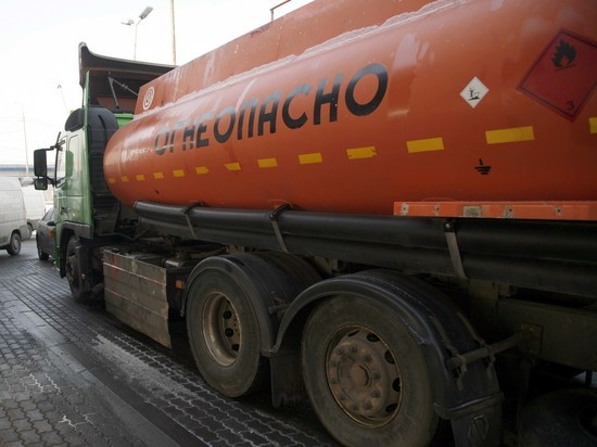 Заморозка цен привела к недостатку топлива в РФ
