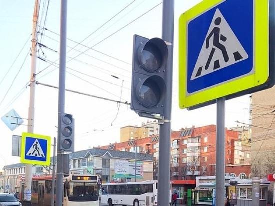В центре Тамбова устанавливают новый светофор