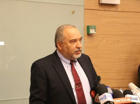 Либерман: Я ушел в отставку в знак протеста против капитуляции кабинета министров перед террором