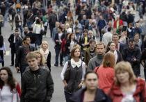 Ситуация в стране, по мнению россиян, ухудшается и в политической, и в экономической сфере, с оптимизмом в будущее смотрят все меньше и меньше граждан