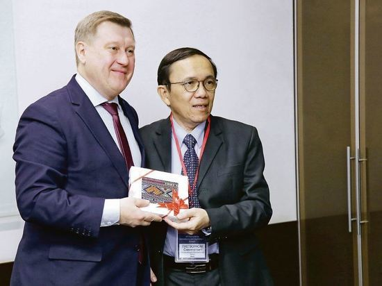 Новосибирск учится запоминать сложные имена ради работы с Азией