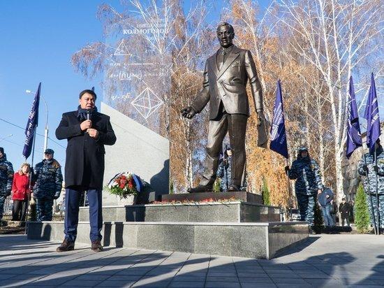 В Тамбове открыли памятник математику Андрею Колмогорову
