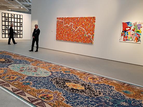 Министр Мединский не рекомендовал ходить по ковру
