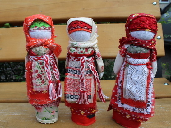 Смоленские куклы без лиц, но с душой