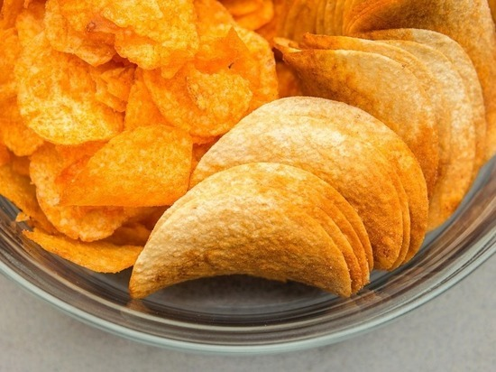 Школьники Улан-Удэ просили добавить в меню чипсы и газировку
