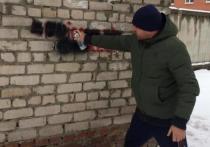 Полицейские и активисты закрасили надписи с рекламой наркотиков в Барнауле