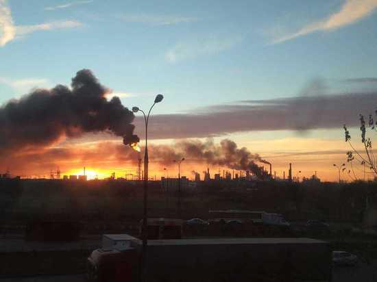 В столицеРФ врайоне пожара вКапотне затруднено движение транспорта