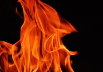 Хулиган поджег комнату консьержки, не пустившей его к бывшей жене