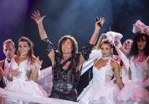 Горячая публика Германии развела Леонтьева на стриптиз