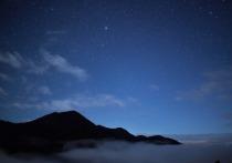 Международная группа исследователей сообщила, что звезда VVV-WIT-07 нерегулярно и заметно изменяет свою светимость по не вполне понятным на данный момент причинам