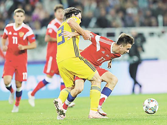Футбол, сборная России: осталось не проиграть шведам