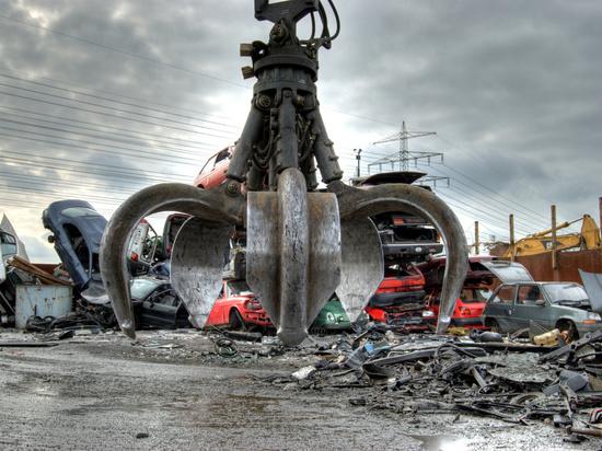 Упавшая металлическая конструкция убила менеджера в Саранске