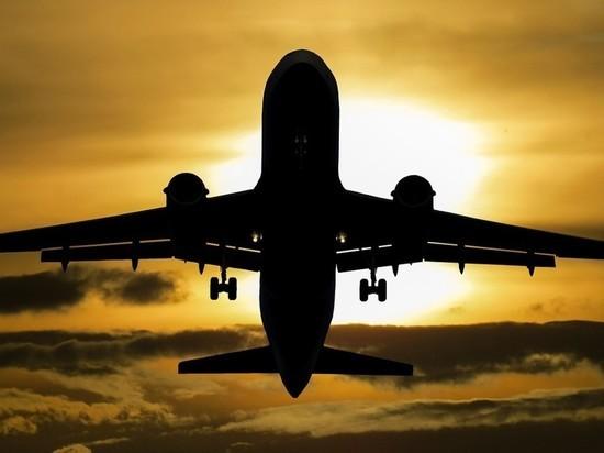 О погибшем сообщил экипаж взлетавшего лайнера