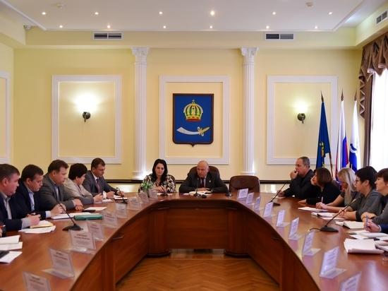 Радик Харисов провел первое аппаратное совещание в новой должности
