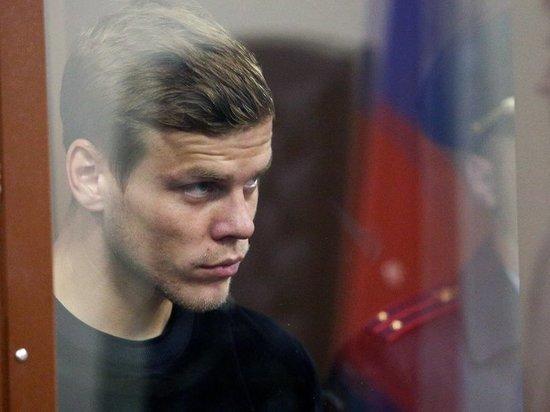 Источник: Кокорин и Мамаев перевели деньги избитому водителю