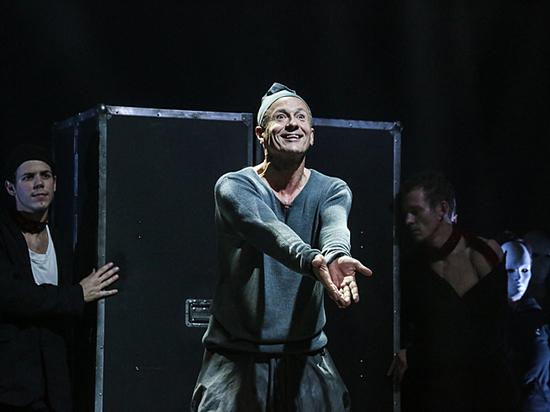 Олег Меньшиков сыграл Макбета в собственном спектакле