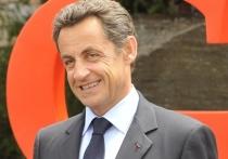Бывший президент Франции Николя Саркози неожиданно прилетел в Москву и принял участие в предновогоднем приеме Российского фонда прямых инвестиций