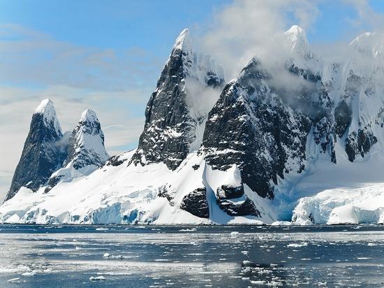 Источником тепла подо льдами Южного полюса мог стать гранитный массив