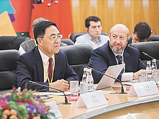 Москва — Пекин: вместе против СПИДа