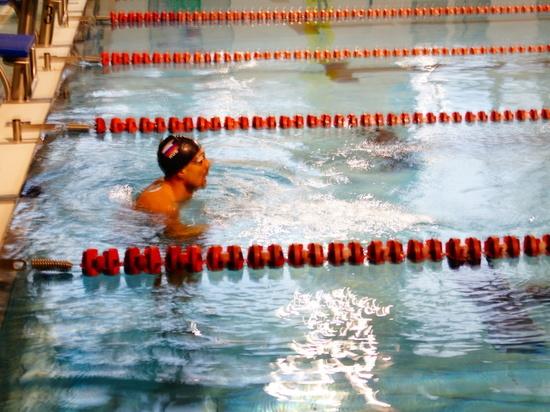 Чемпионский заплыв в калужском бассейне устроил известный олимпиец