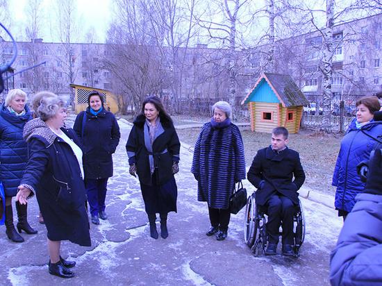 Реализацию мероприятий проекта «Доступная среда» проверили депутаты Вологды