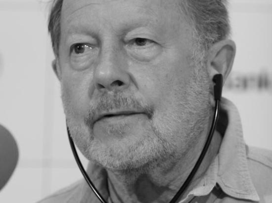 Скончался 90-летний кинорежиссер, работавший над «Хрониками Индианы Джонса»