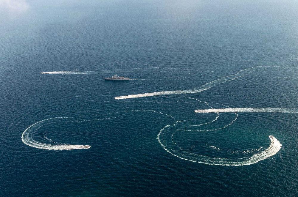 Морская провокация Украины: тревожные кадры из района Керченского пролива