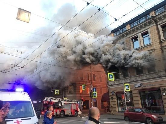 Пострадавшего при пожаре в магазине Bosco увезли в больницу