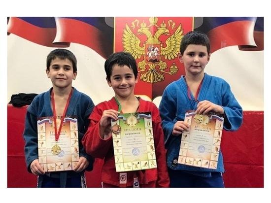 Юные самбисты из Серпухова стали победителями регионального турнира